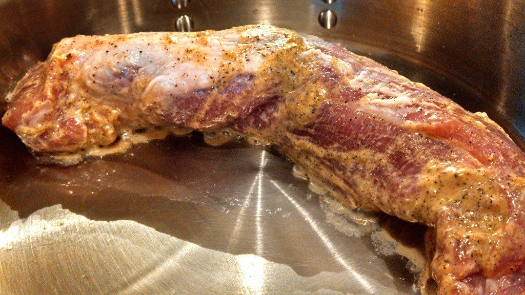 how to cook a pork tenderloin roast in the oven