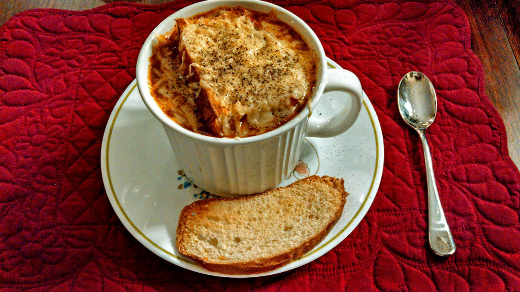 Healthy French Onion Soup ready to eat