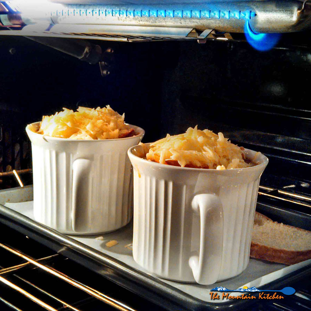 Healthy French Onion Soup {A Meatless Monday Recipe
