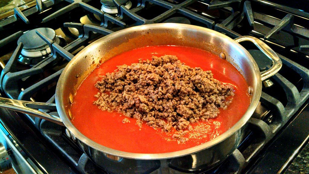hamburger in tomato sauce