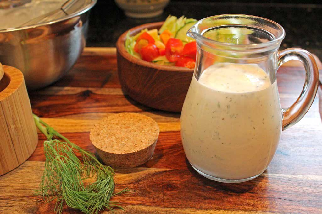 Discover the freshness of making your own salad dressing at home.This creamy homemade ranch dressing uses fresh ingredients without preservatives. | TheMountainKitchen.com