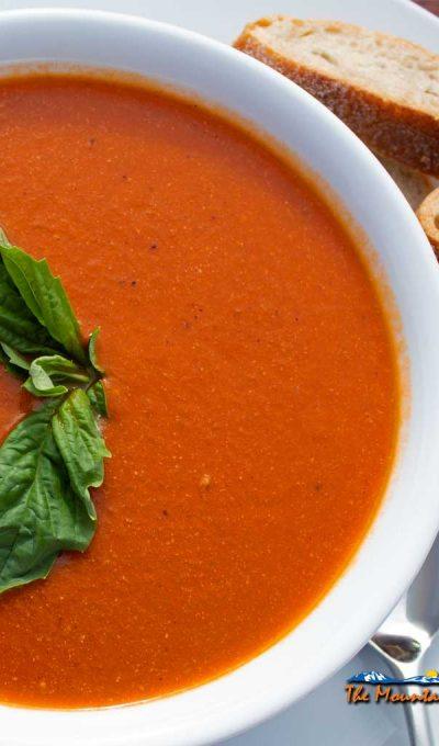Roasted Tomato Soup {A Meatless Monday Recipe
