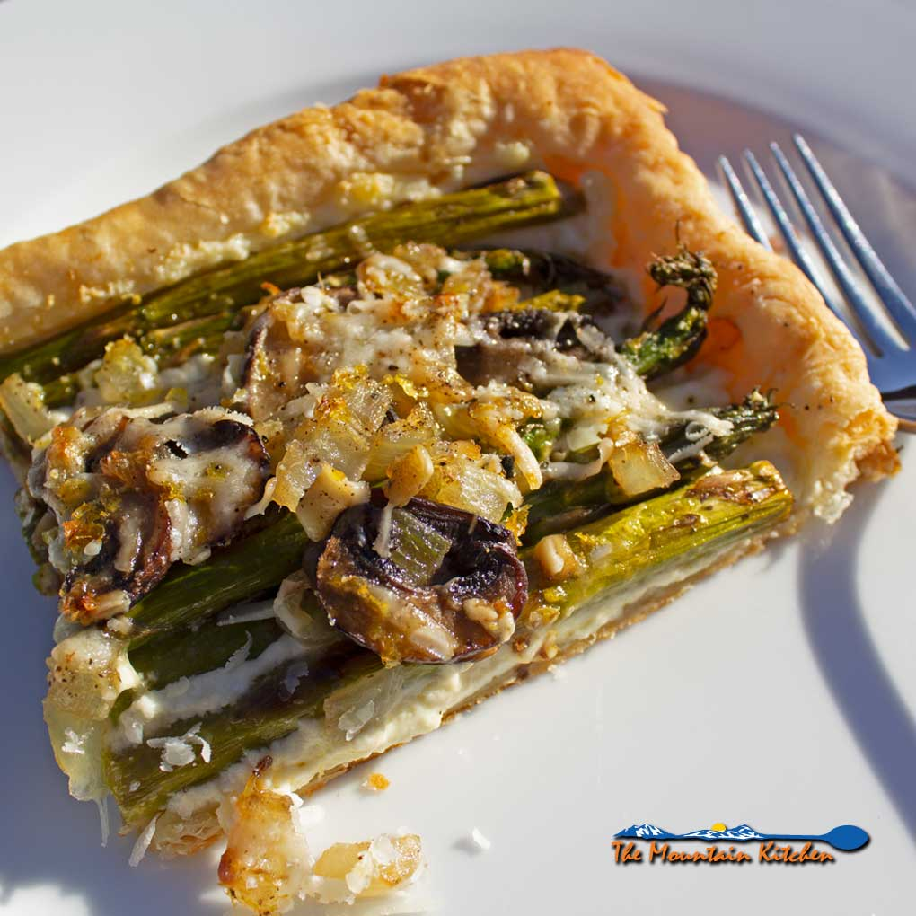 Asparagus-Ricotta Tart {A Meatless Monday Recipe