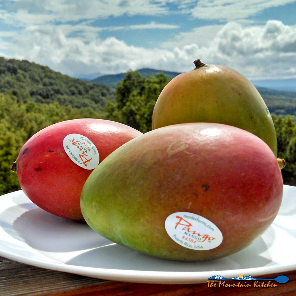 How to Cut a Mango In 4 Easy Steps {The Mountain Kitchen Tips