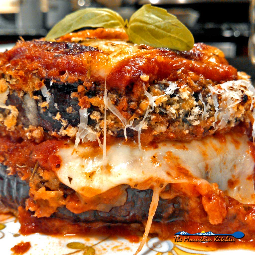 Healthy Oven-Baked Eggplant Parmesan {A Meatless Monday Recipe