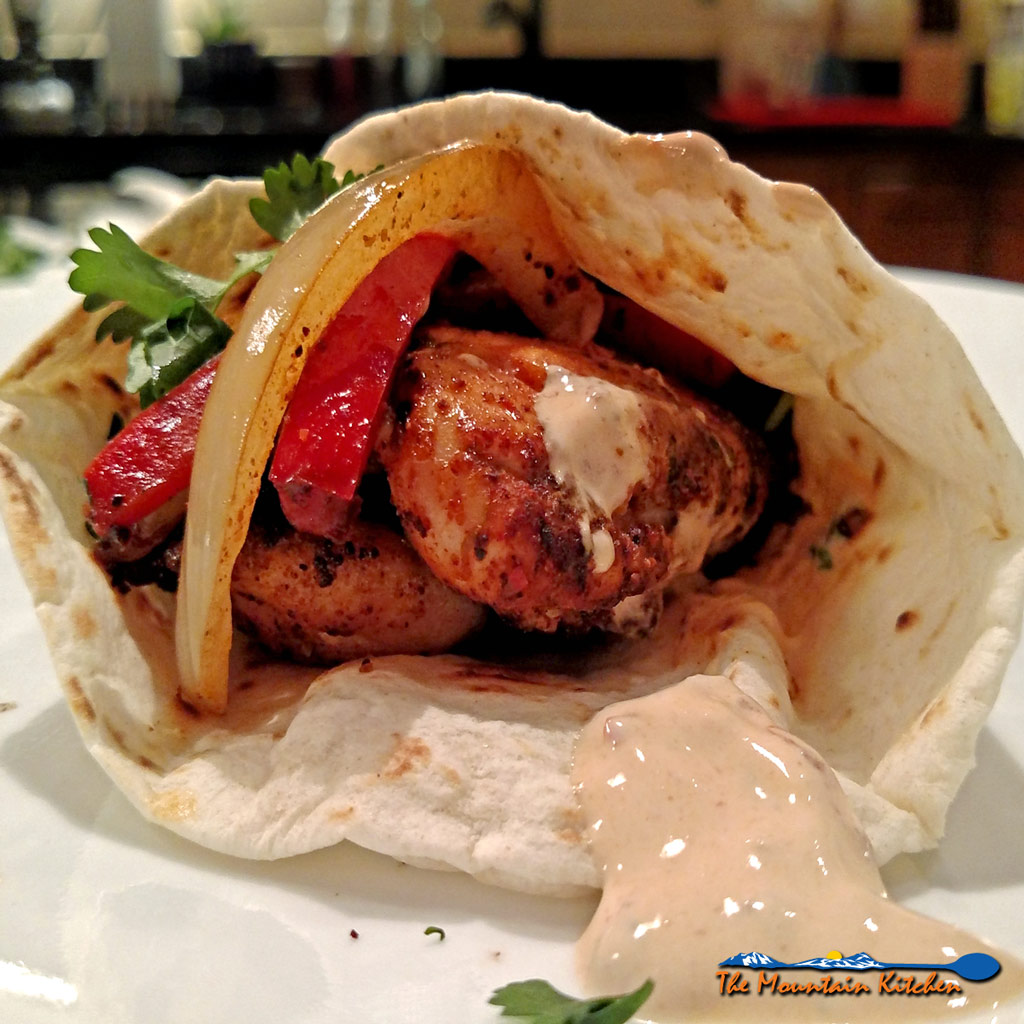 Easy Weeknight Chicken Fajitas {A Quick and Easy Meal