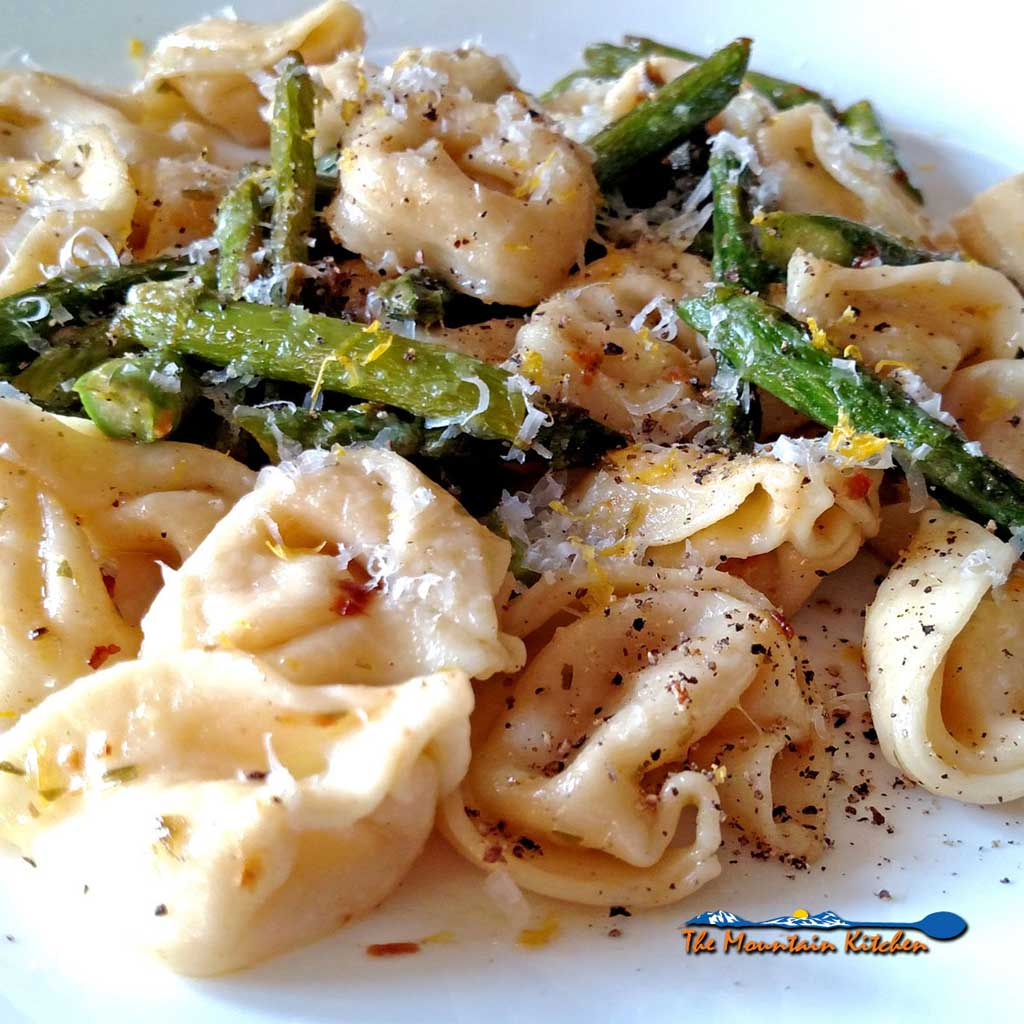 Brown Butter Tortellini with Toasted Garlic and Asparagus {A Meatless Monday Recipe