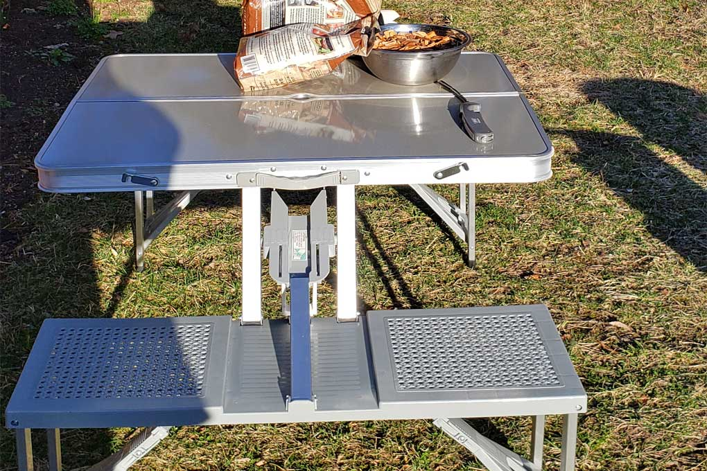 foldable picnic table for workspace
