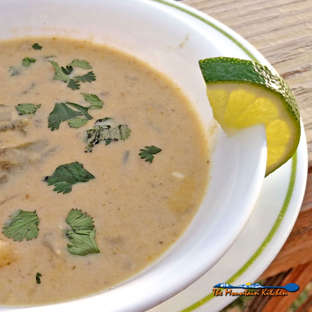 Roasted Poblano Corn Chowder {A Meatless Monday Recipe