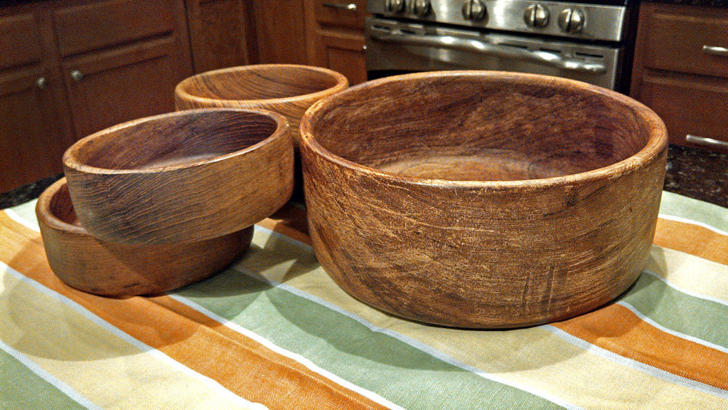 restoring wooden bowls is easy with just one application of mineral oil they already look