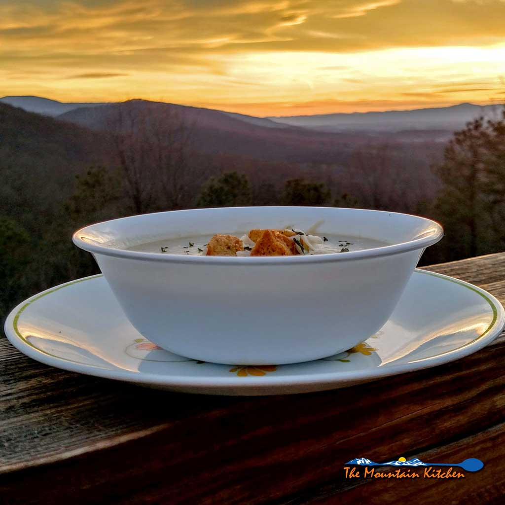 Crock-Pot Potato Leek Soup {A Meatless Monday Recipe