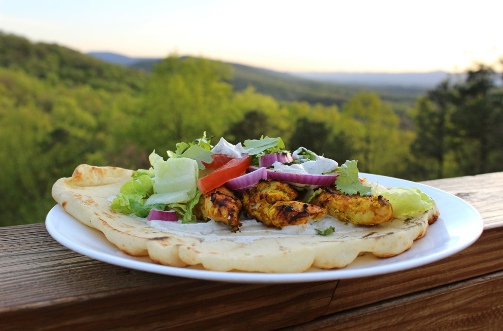 Tandoori Chicken Naan Bread With Yogurt Sauce | TheMountainKitchen.com