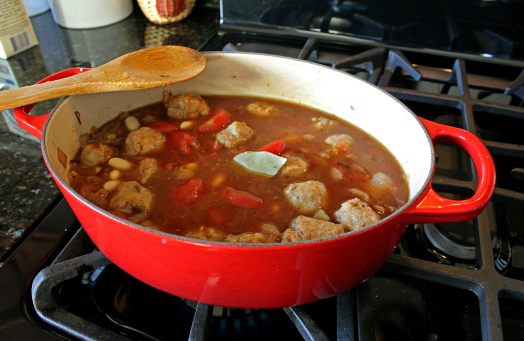 Italian Sausage Soup | A quick and easy meal in a bowl, this delicious Italian Sausage Soup is hearty comfort food, with orwithout the crackers! | TheMountainKitchen.com