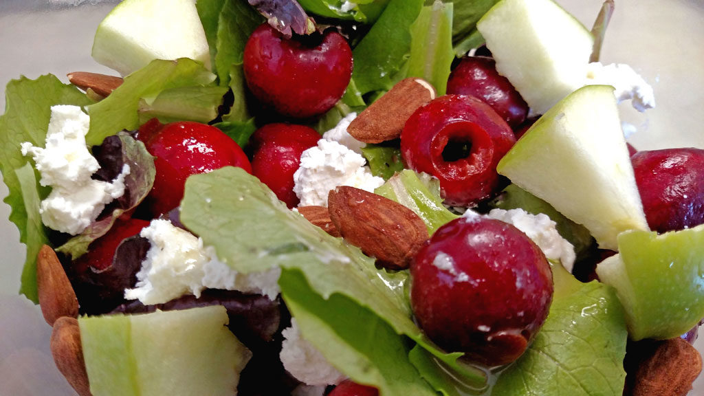 Cherry-Apple Salad ready to eat