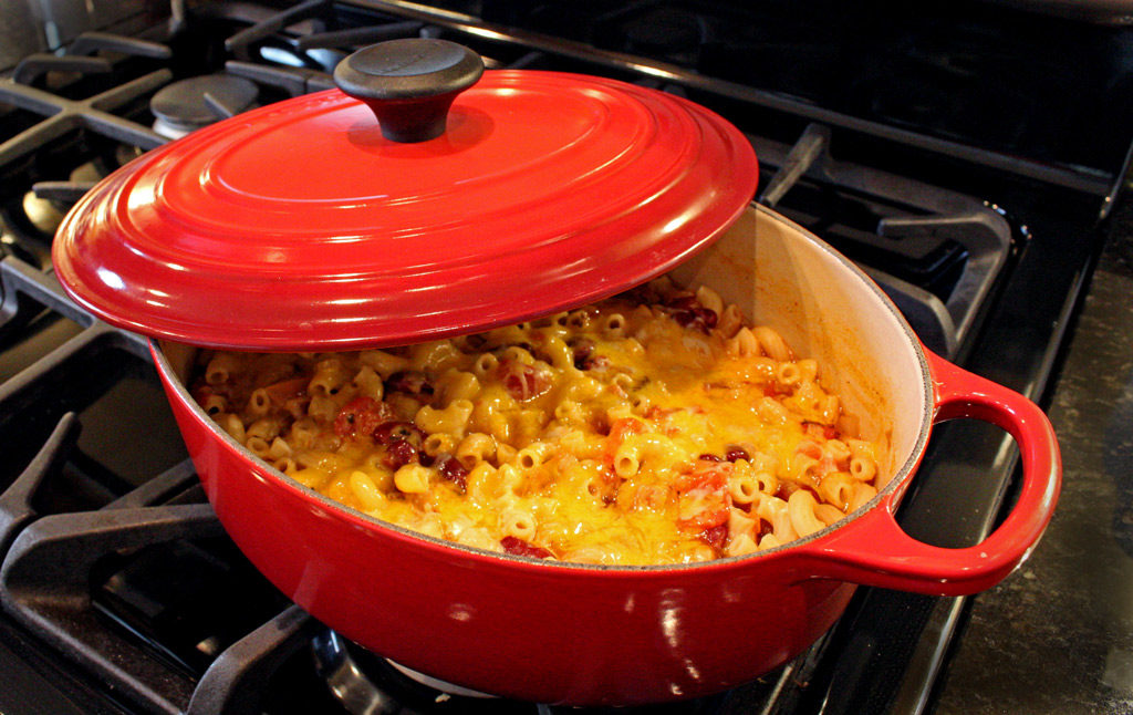 Cajun chili mac in Dutch oven