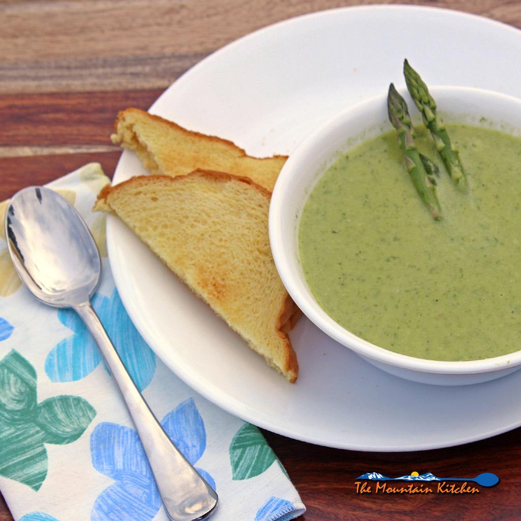 Cream of Asparagus Soup {A Meatless Monday Recipe