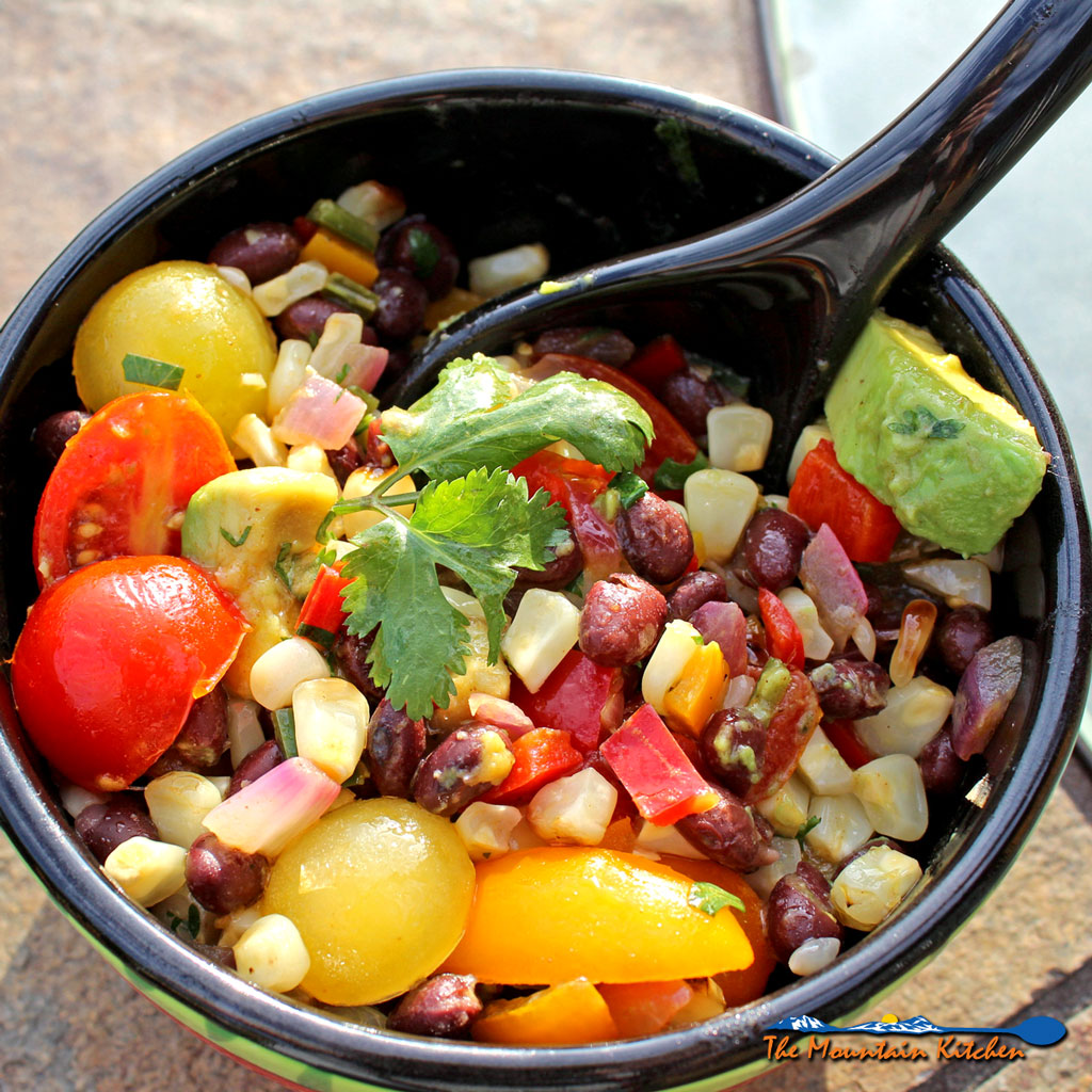 Grilled Corn and Black Bean Salad {A Meatless Monday Recipe