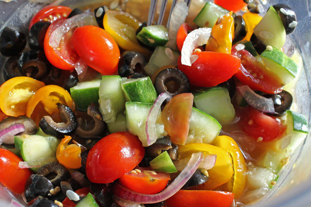 veggies for topping pizza