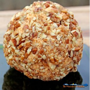Mama's Homemade Christmas Cheese Ball