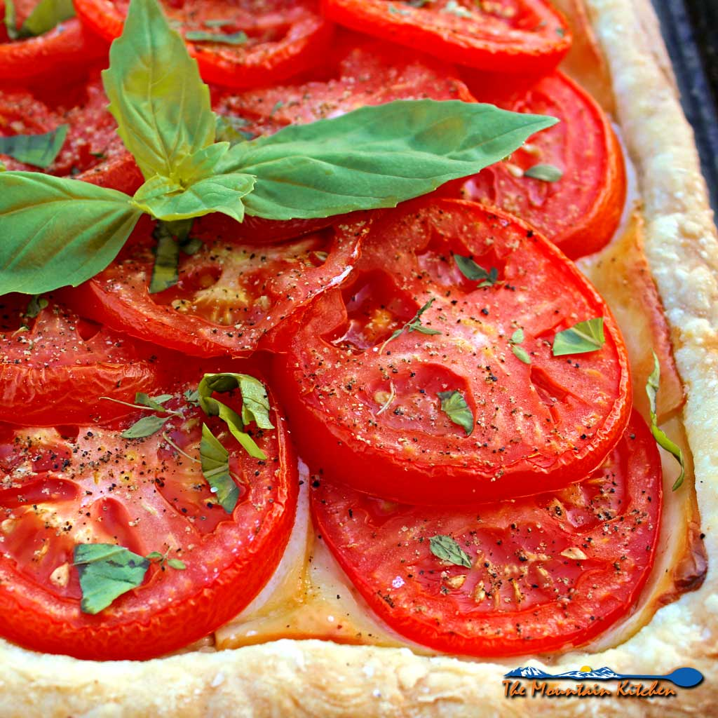 Roasted Tomato Cheese Tart {A Meatless Monday Recipe
