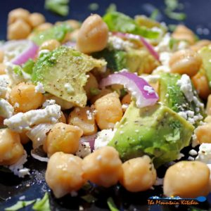 5-Minute Chickpea Avocado Salad {A Meatless Monday Recipe