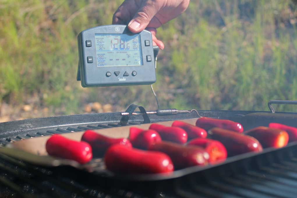 Smoke Thermometer from Theroworks used to monitor temperature of grate