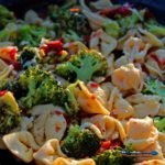 Tortellini with broccoli and sun-dried tomatoes