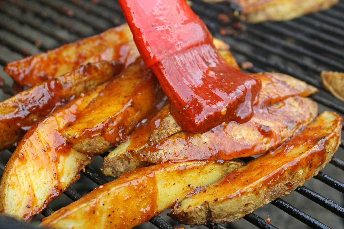 saucing potato wedges