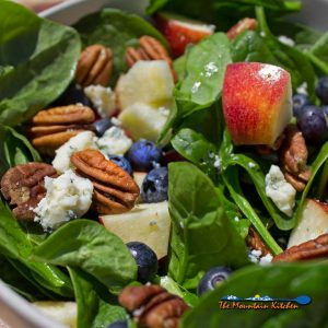 Blueberry Spinach Salad {A Meatless Monday Recipe
