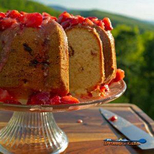 Strawberry Bundt Cake With Strawberry Glaze
