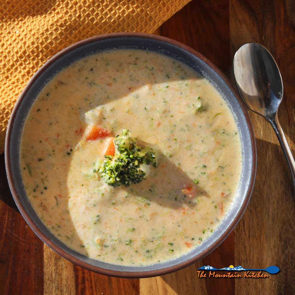 Broccoli Cheese Soup {A Meatless Monday Recipe