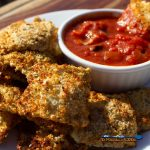 air fryer ravioli with tomato dipping sauce